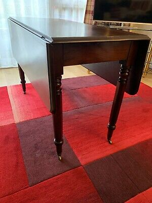 Beautiful Victorian drop leaf Pembroke dining table, good condition