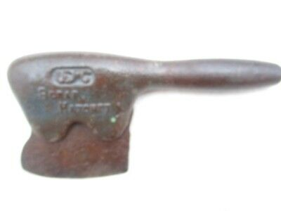 VNTG/ ANTIQUE COBBLER SCRAP HATCHET United Shoe Machinery CO CAST IRON ORIGINAL
