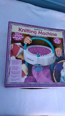 Innovations round KNITTING MACHINE model #7590 ~ Complete. In original Box.