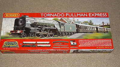 Hornby R1169 Tornado Pullman Express Electric Train Set