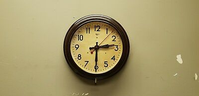 Vintage 'Smiths' Sectric Bakelite Wall Clock.