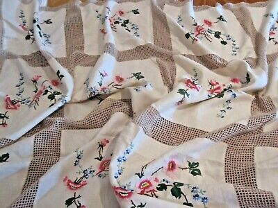 Beautiful Vintage Hand Embroidered Linen Tablecloth With Hand Crochet Lace