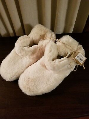 American Eagle Outfitters Womens S Fuzzy Cozy Slippers Bedroom Shoes New w/tag!
