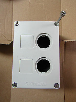 Siemens Control Station Push Button Enclosure, 22mm diameter - 7429287