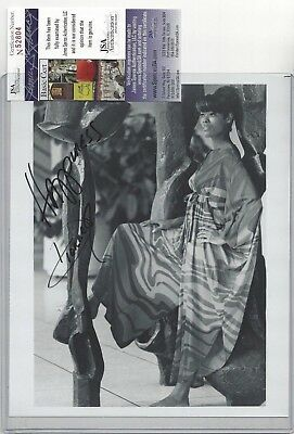 Dionne Warwick Singer Actress TV Star Autographed 8x10 Photo JSA COA