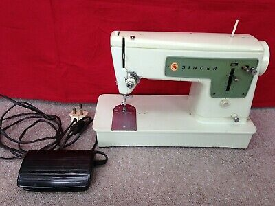 Singer Electric Sewing Machine And Foot Pedal - Read Fault