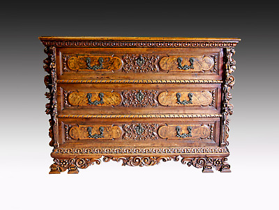 A Superb Quality 18Th Century Carved Walnut Italian Commode