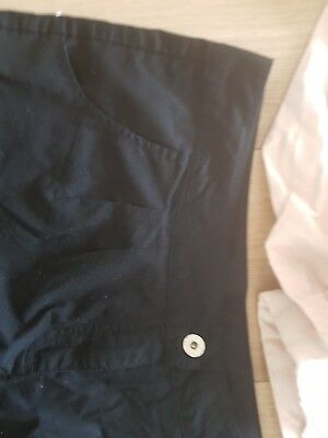 2 Pair Of Immaculate Ladies Shorts 16
