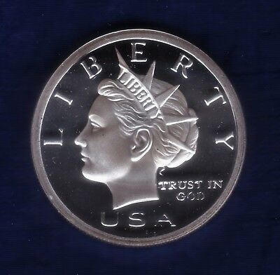 NORFED  Year 2005  1oz  .999  FINE  SILVER  Liberty Round