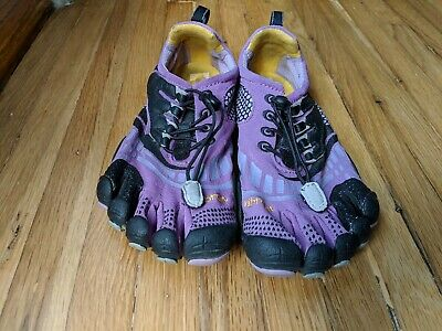 the latest f5034 ac932 Womens VIBRAM FIVEFINGERS W3773 Purple Barefoot Running Shoes SIZE 38 US  7.5-8