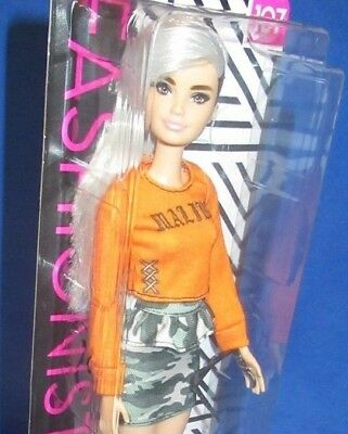 Barbie Collector Fashionistas #107 Barbie Doll, New