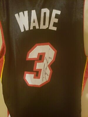 4abb192baae0 LEBRON JAMES HAND signed autographed Miami Heat Upper Deck ...
