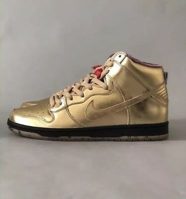 cheap for discount e5592 634b6 NIKE SB X Humidity Dunk High Trumpet QS Gold Black UK 9 US 10 EU 44 pigeon  💯DS