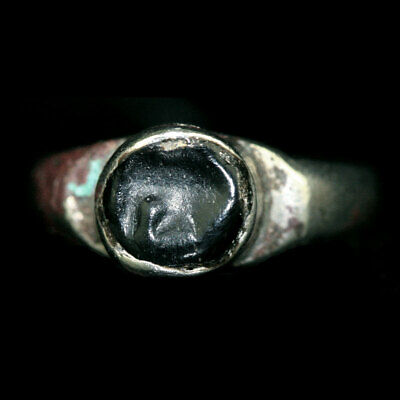 Indo-Greek silver ring with black stone bezel. x9033