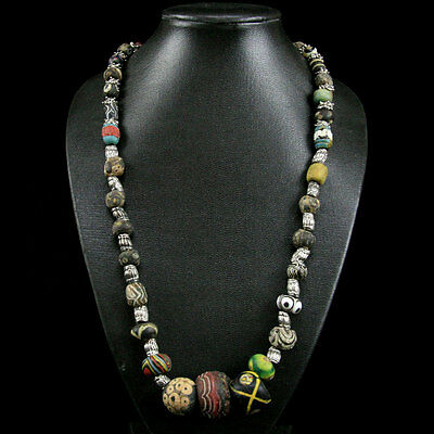 A Roman to Islamic Gabri glass bead necklace. y851