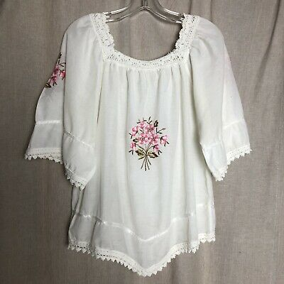 Vintage Top Hippie 60s Embroidered Floral Boho Macrame Mexican Oaxacan 70s