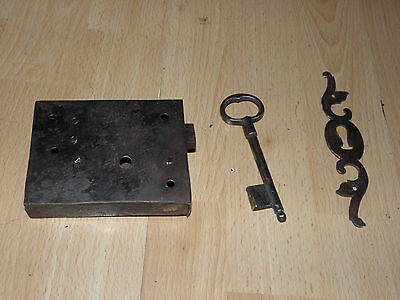 antique Door Lock latch KNOB KEY Works Shutter Wrought Cupboard Fronts Cast old