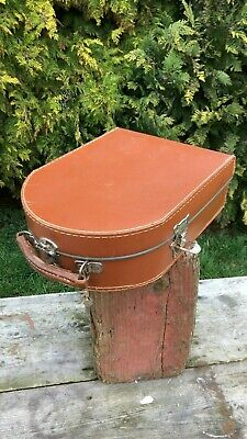 Fantastic Vintage Portable French Record Player In Carry Case & Key *