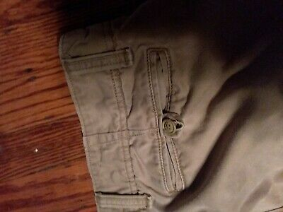 9c4fd555 Old Navy Broken-In Khakis mens size 34x32 straight leg good condition  pre-owned