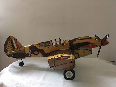 Blechmodell  Curtiss P-40 Warhawk Flying Tigers RAF II. WK Jagdflieger  GROSS!