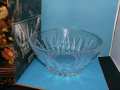 A Superb Boxed 22 cm Cristal d'Arques LEAD CRYSTAL Bowl (9005943)