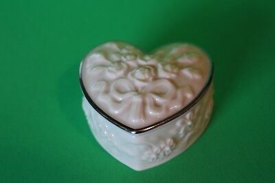 Lenox Porcelain Wedding Promises Colleciont Ring Box Heart Silver Band Two Peice