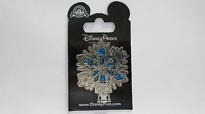 Disney Let It Go Frozen Pin / Elsa Stained Glass Snowflake Locked Mirror Hinged
