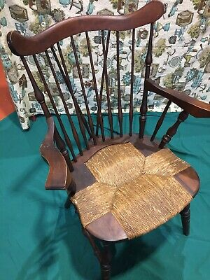Winsor chairs set of 5, nichols & stone, comb back, rush seats antique