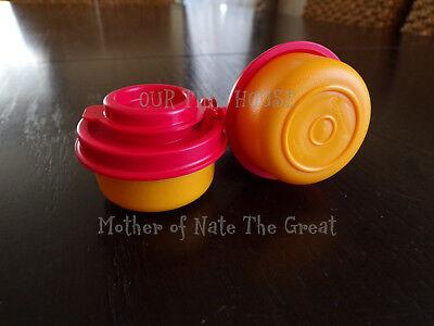 TUPPERWARE SMIDGETS SALT AND PEPPER SHAKERS Set Spice Small Mini Red and Orange