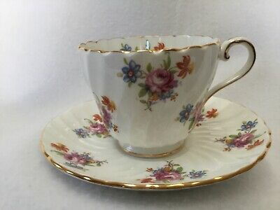 Aynsley Bone China Teacup & Saucer Small Cabbage Rose floral Swirl. England.