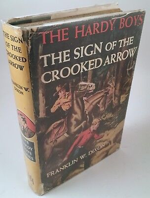 Hardy Boys : Sign of the Crooked Arrow 1951 Hills FIRST ENGLISH EDITION w/Jacket