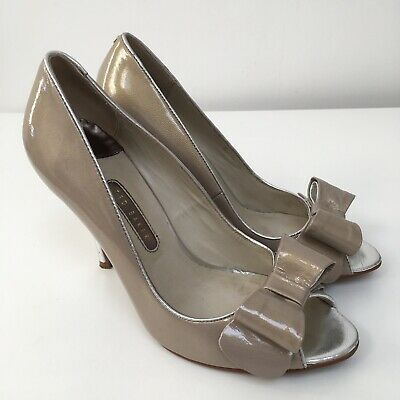 7fa582a33b5 Ted Baker Camila Nude Patent Leather Peep Toe Heels Size UK 6 Bow High Heels