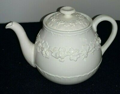 Wedgwood Queensware Embossed Cream/Ivory/White TEAPOT with Lid