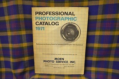 Vtg 1971 PROFESSIONAL PHOTOGRAPHIC CATALOG Reference & Buying Guide