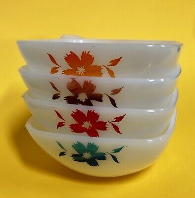 Crown Pyrex Flower Design Ramekins Set Of 4