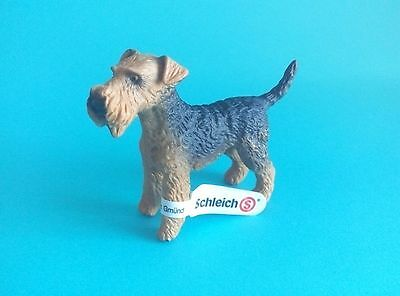 Schleich 16336 Airedale Terrier NEW figurine dog toy retired