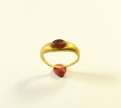 RARE ROMAN GOLD RING WITH RED GEMSTONE ON BEZEL - 1st-2nd Century AD
