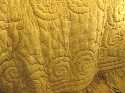 Delicious Antique Vintage French Gold Quilt Double size Plump Luxurious.Valance