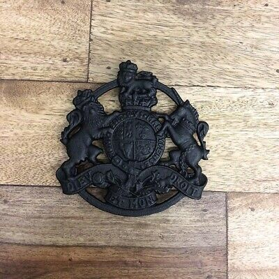 Coat of Arms Cast Iron Trivet Metal Sign Vintage Plaque Wall Decor BLACK 15x15CM