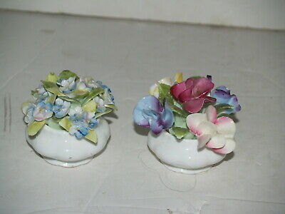 Royal Albert Bone China-Flower of the month-1970-Sweet Pea and Forget me not