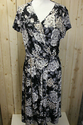 Perceptions New York Womans Large Black Floral Short Sleeve