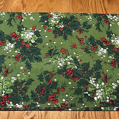 "100% Cotton Christmas Tablecloth Rectangular 50 x 72"" Holly Berries Vintage"