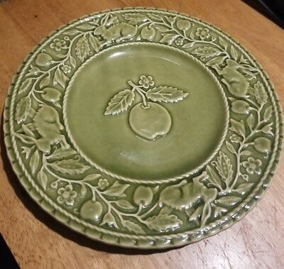 "Bordallo Pinheiro Green 8 1/4"" Dessert Salad Plate  Fruit Rabbit Portugal"