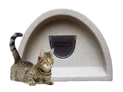 Make Us A Offer £59.00 Outdoor Cat Shelter/Kennel Plastic Cat House+ Flap