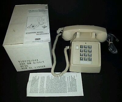 Vintage GTE AUTOMATIC ELECTRIC Desk Telephone Tan Eggshell Off White