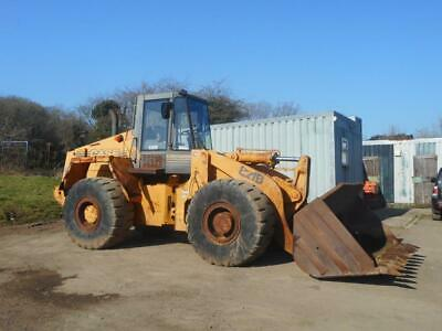 Case 910B Loading shovel