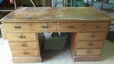 Wooden Desk, old and very heavy with original handles but no key.