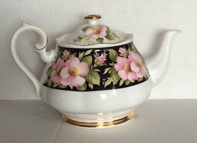 Royal Albert Teapot Vintage 1975 Provincial Flowers Alberta Rose Excellent
