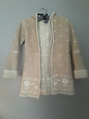 Girls Gap Size 6/7 Tan Beige Coat with Sherpa Lining and Floral Embroidery