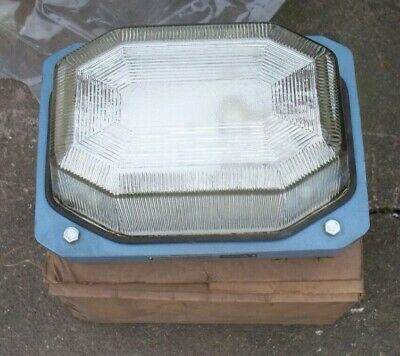 NEW IN BOX, Victor, bulkhead lamp ,150 watts.